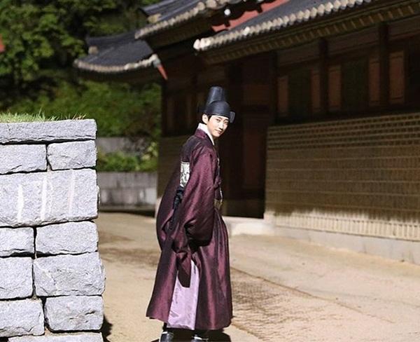 sao-han-19-10-kim-yoo-jung-rang-ro-ben-2-my-nam-chan-yeol-tu-tin-khoe-mat-moc-4