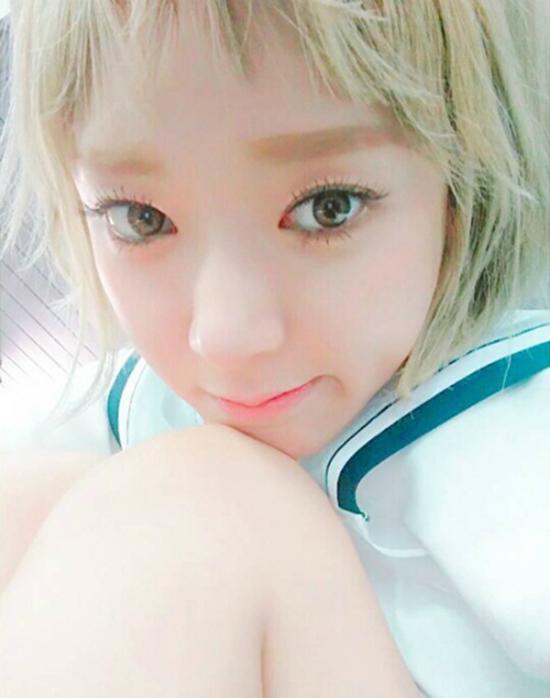 idol-kpop-thach-thuc-nhan-sac-voi-mot-mai-ngan-tren-may-5