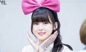 2 idol Kpop sinh năm 1999 có ngoại hình như trẻ con
