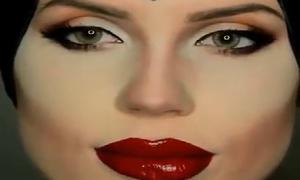 Style trang điểm hệt Maleficent trong nháy mắt