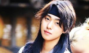 6 kiểu tóc dùng 'nghìn năm không chán' của mỹ nam cổ trang Hàn