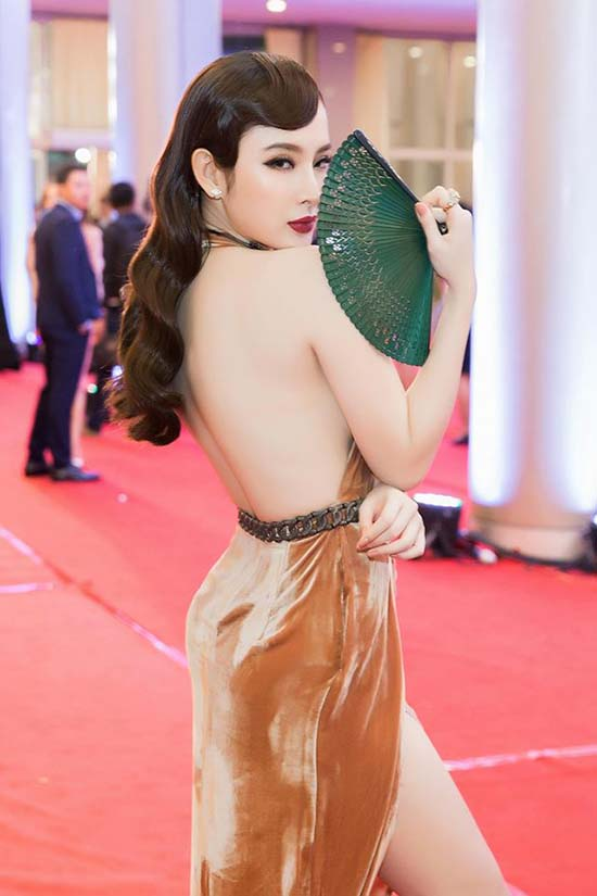angela-phuong-trinh-lo-chan-kem-thon-khi-chua-duoc-photoshop