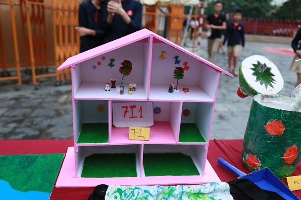 phu-kien-handmade-de-thuong-tu-do-tai-che-cua-hoc-tro-3