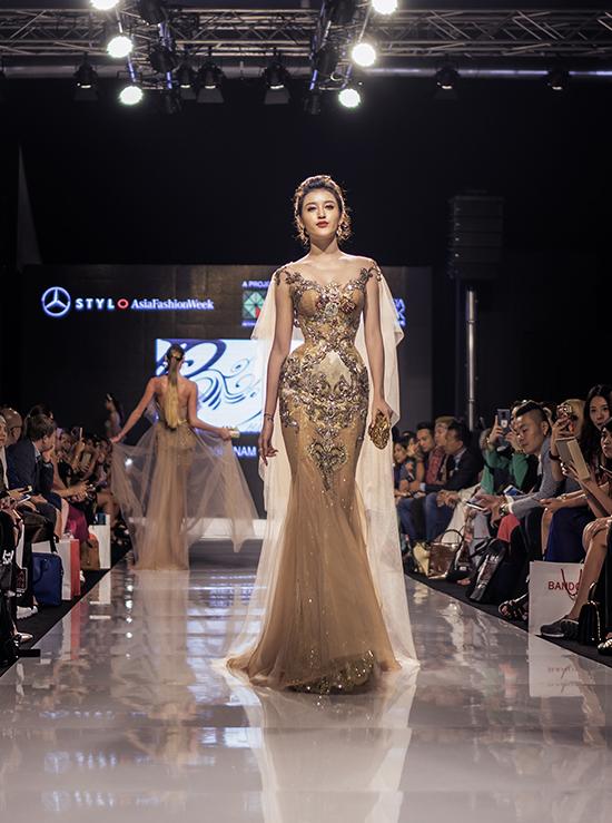 huyen-my-lam-vedette-o-malaysia-fashion-week