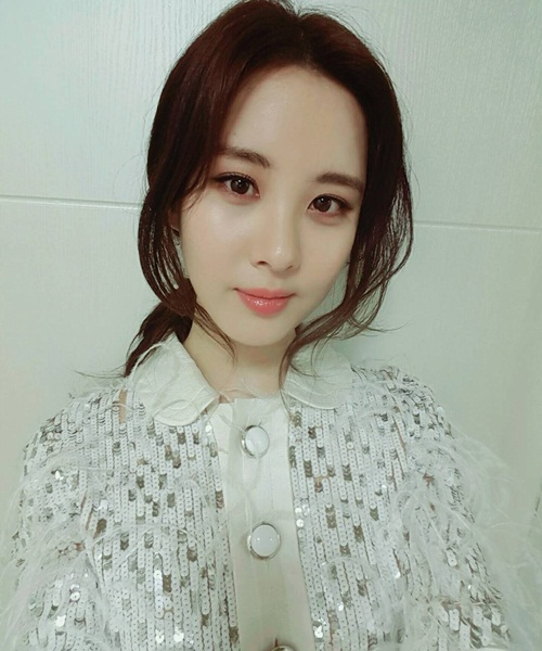 sao-han-15-11-sulli-mac-ao-giau-quan-khoe-chan-seo-hyun-da-min-nhu-su-2-3