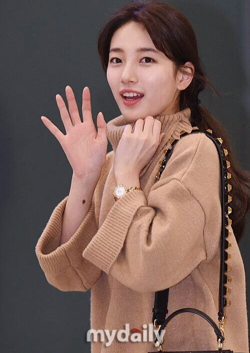 na-yeon-xau-ho-vi-mat-moc-suzy-make-up-nhe-van-long-lanh-ve-han-12