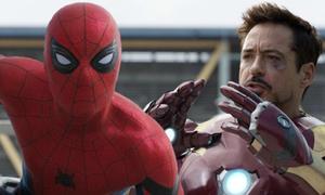 Người Nhện tuổi teen mang Iron Man vào trailer chính thức