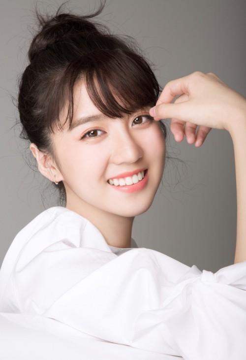 nhung-hotgirl-ngoai-quoc-duoc-cu-dan-mang-viet-san-lung-nhieu-nhat-2016-2-10