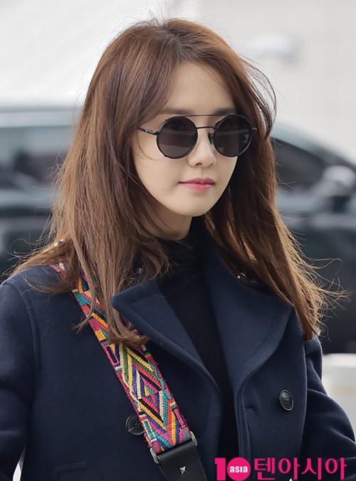 yoon-ah-tae-yeon-do-ve-sang-chanh-o-san-bay-2