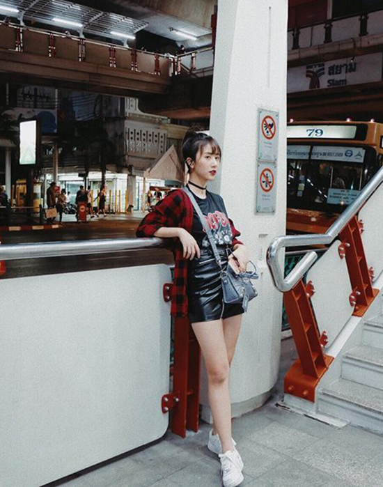 street-style-sao-viet-tuan-qua-nguoi-ao-long-kin-mit-ke-vay-voc-mat-me-4