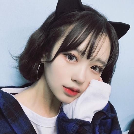 10-kieu-tao-dang-tay-cho-hinh-selfie-bot-nhat-3