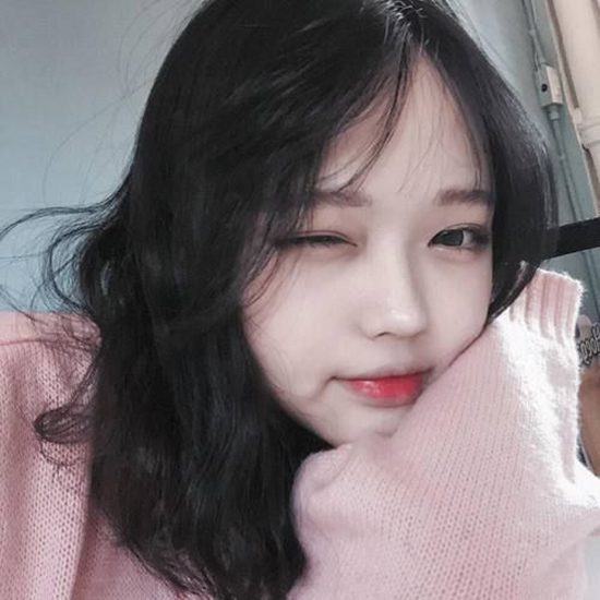 10-kieu-tao-dang-tay-cho-hinh-selfie-bot-nhat-9