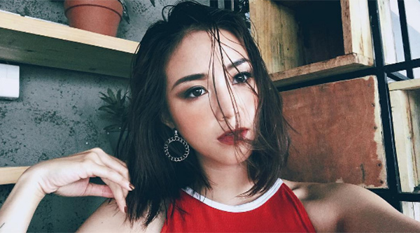 10-kieu-tao-dang-tay-cho-hinh-selfie-bot-nhat-11