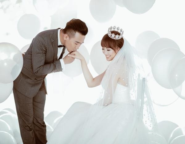 dem-tan-hon-tran-thanh-hari-won-choi-den-7h-sang-1