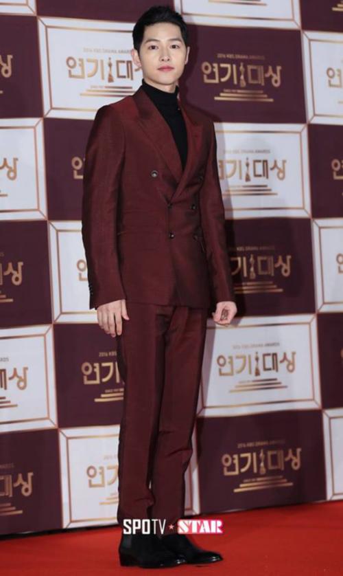 kbs-drama-awards-song-joong-ki-song-hye-kyo-dat-dinh-cao-nhan-sac