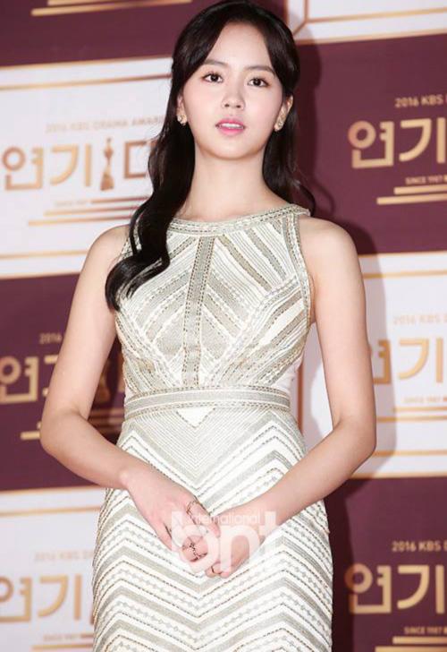kbs-drama-awards-song-joong-ki-song-hye-kyo-dat-dinh-cao-nhan-sac-8