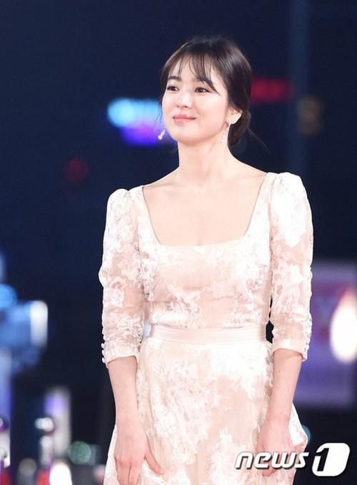 kbs-drama-awards-song-joong-ki-song-hye-kyo-dat-dinh-cao-nhan-sac-4