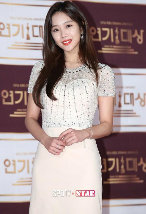 kbs-drama-awards-song-joong-ki-song-hye-kyo-dat-dinh-cao-nhan-sac-13