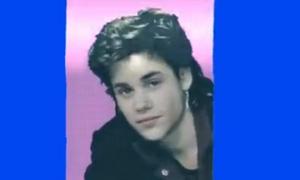 Sẽ thế nào khi Justin Bieber hát 'What do you mean' từ... 30 năm trước