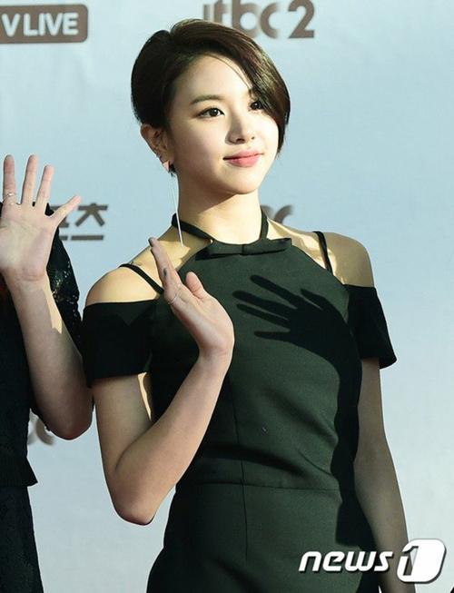 golden-disc-awards-loat-my-nhan-kpop-khoe-sac-tren-tham-do-10