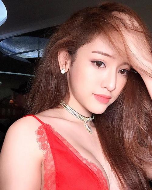 nhan-sac-quyen-ru-cua-hot-girl-chieu-tro-thuy-vi-sau-dao-keo-9