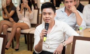MC kém duyên khi mời Phan Thành đấu giá sim của Ngọc Trinh