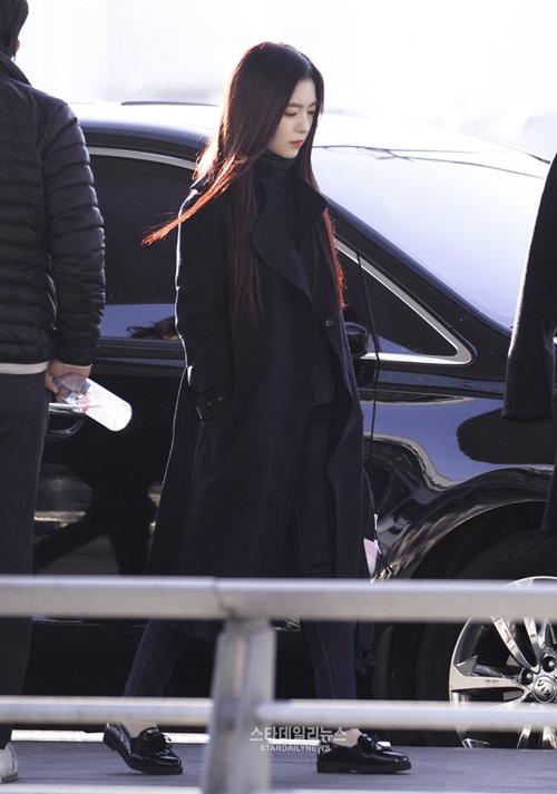 red-velvet-sang-chanh-lee-sung-kyung-chon-style-hien-dai-o-san-bay-6