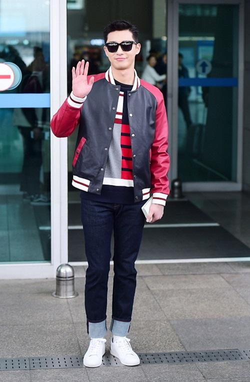 red-velvet-sang-chanh-lee-sung-kyung-chon-style-hien-dai-o-san-bay-11