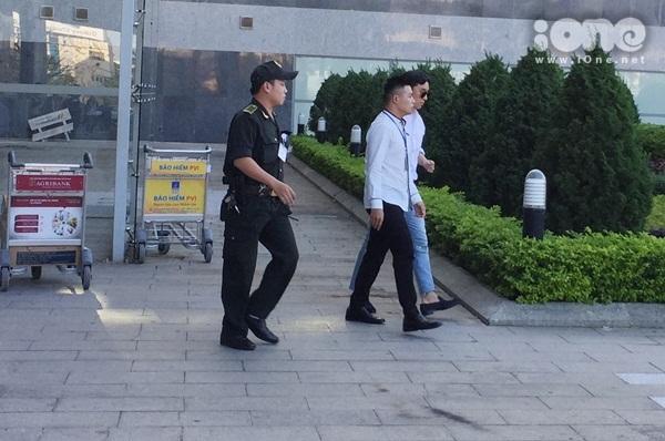Fan Đà Nẵng hụt hẫng vì Seungri bí mật đi cửa sau