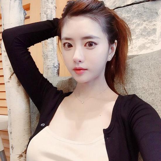 top 5 nu mc livestream xinh dep goi cam nhat dong a hinh anh 5