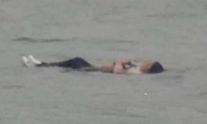 Cô gái nhảy sông tự tử nhưng không chìm vì quá béo