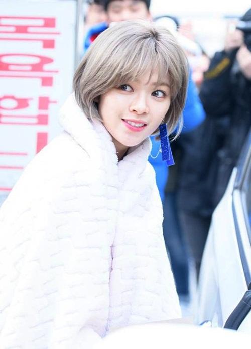 co-nang-tomboy-jeong-yeon-twice-ngay-cang-nu-tinh-nho-nuoi-toc-8