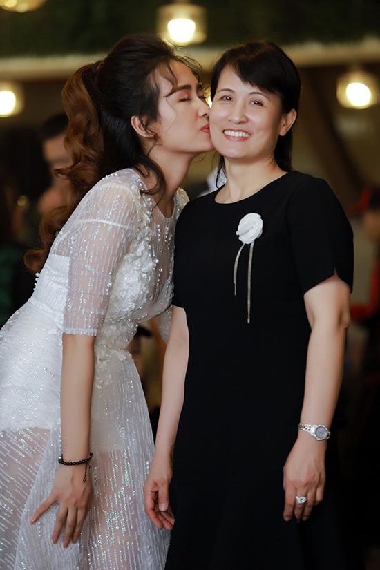 trang-moon-boi-roi-khi-phai-hon-ban-than-hot-boy-7