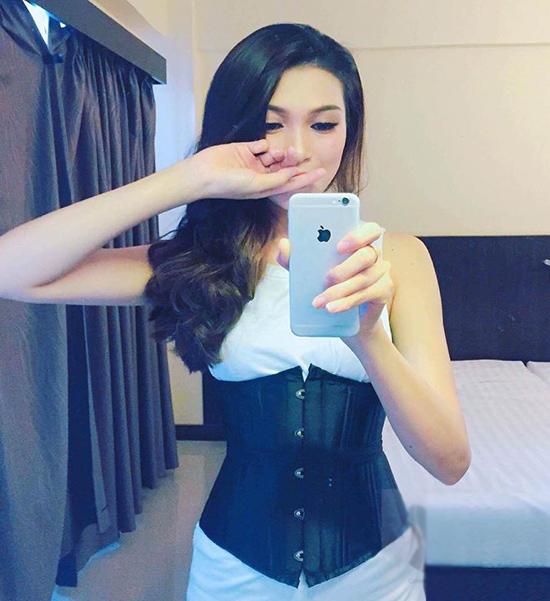 sao-viet-dua-nhau-bien-corset-nit-bung-thanh-phu-kien-thoi-trang-5