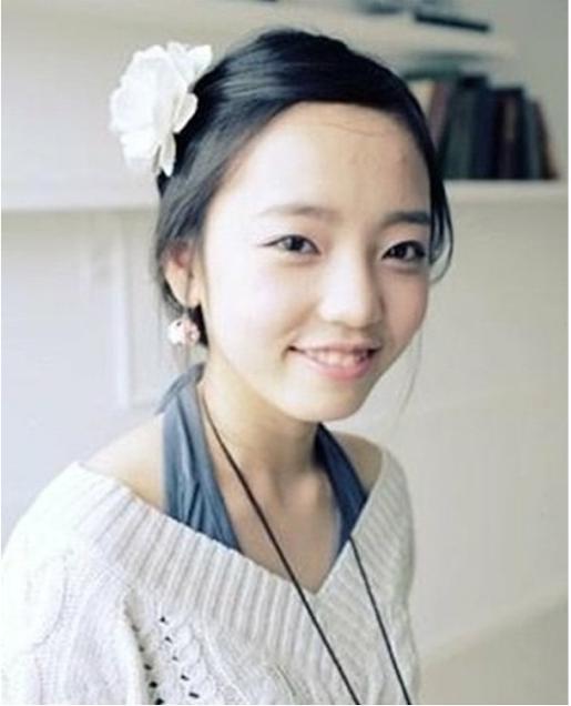 9-sao-han-nang-tam-nhan-sac-so-voi-thoi-lam-nguoi-mau-online-4