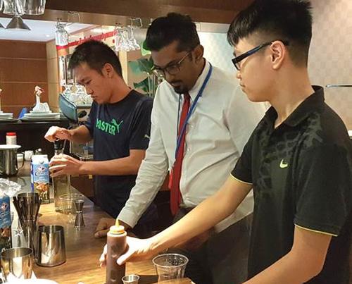 khách sạn của giáo viên người Singapore