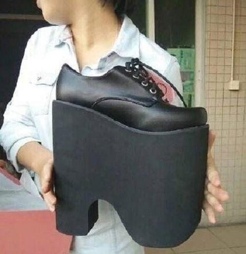 Giày dành riêng cho những cô nàng chân ngắn.