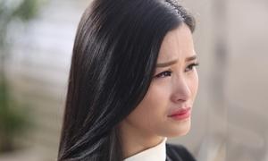 Đông Nhi khóc sướt mướt sau 8 năm diễn xuất
