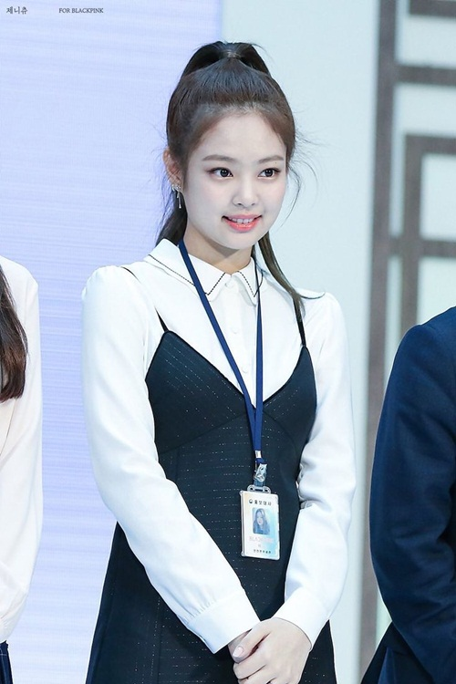 jennie-black-pink-idol-moi-lan-doi-kieu-toc-deu-gay-sot-10