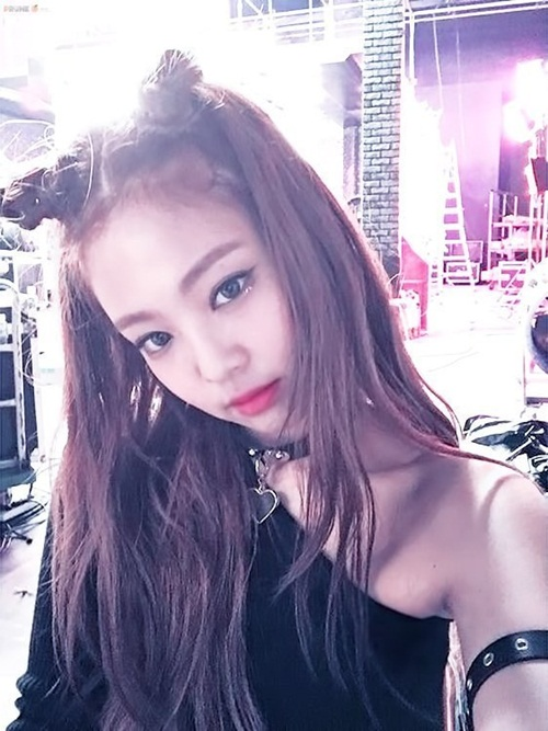 jennie-black-pink-idol-moi-lan-doi-kieu-toc-deu-gay-sot-5