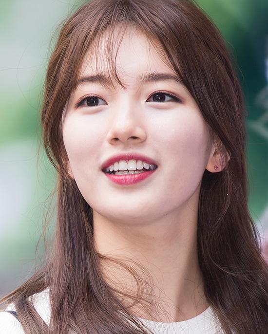 suzy-co-lan-da-trang-hong-cuc-phm-khong-ong-kinh-nao-co-the-dim-4