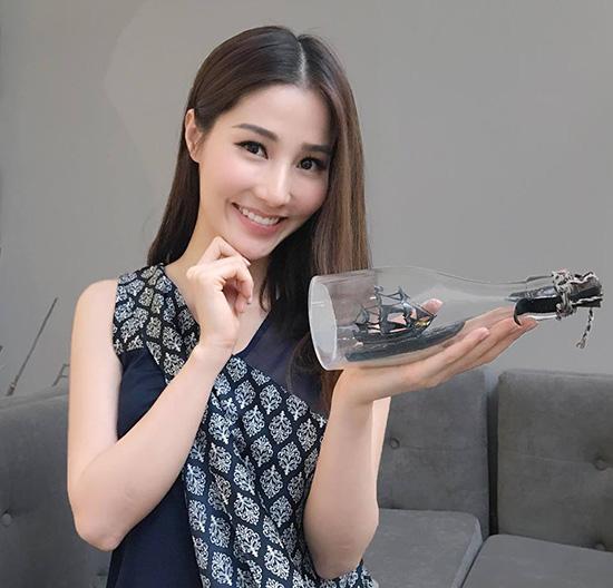 sao-viet-26-5-ngoc-trinh-khoe-bung-phang-ly-tran-thanh-tron-vo-di-hen-ho-10