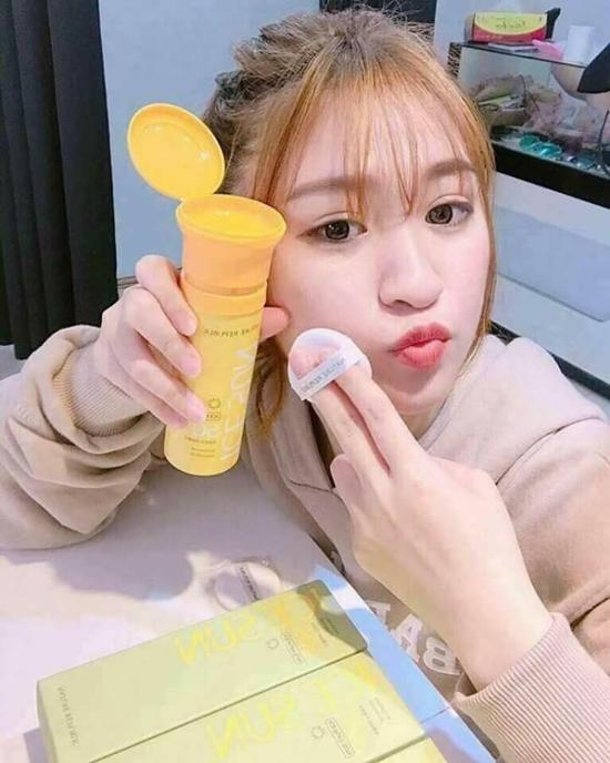 4-loai-kem-chong-nang-han-quoc-boi-len-da-mat-ruoi-tuc-thi-5