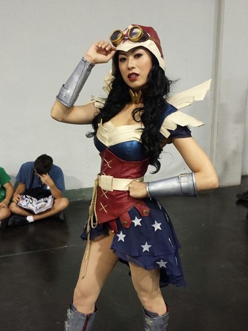 nhung-man-cosplay-wonder-woman-xuat-sac-khong-kem-ban-goc-page-2