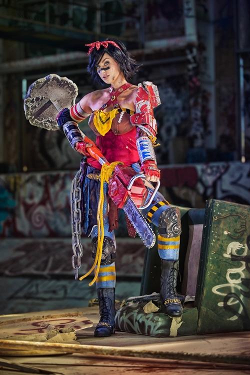 nhung-man-cosplay-wonder-woman-xuat-sac-khong-kem-ban-goc-page-2-2