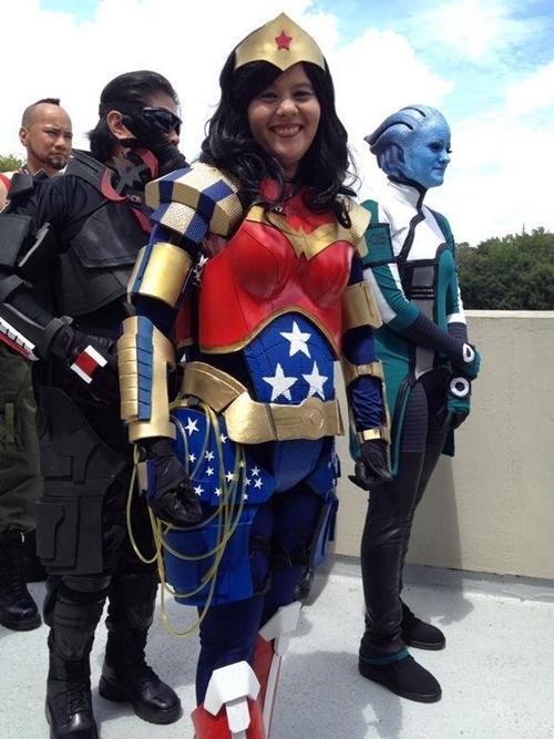 nhung-man-cosplay-wonder-woman-xuat-sac-khong-kem-ban-goc-page-2-6