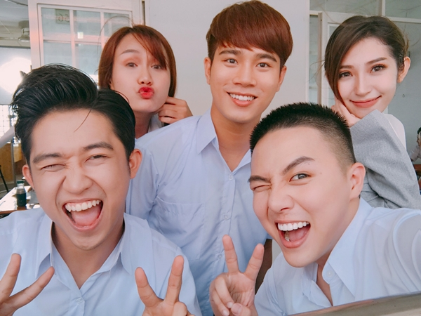 duy-khanh-ru-loat-ban-than-choi-lay-tham-gia-web-drama-tien-ty-4
