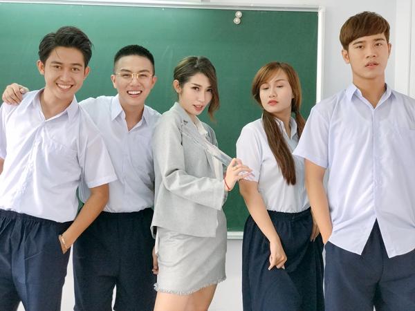duy-khanh-ru-loat-ban-than-choi-lay-tham-gia-web-drama-tien-ty