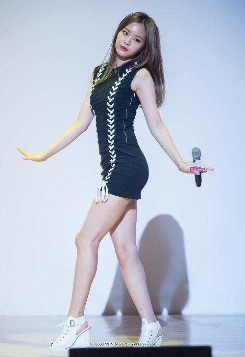 8-idol-nu-co-vong-eo-nho-nhat-kpop-3
