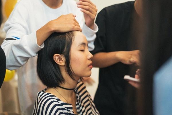 teen-tran-dai-nghia-hoc-trang-diem-de-du-prom-voi-beauty-blogger-2